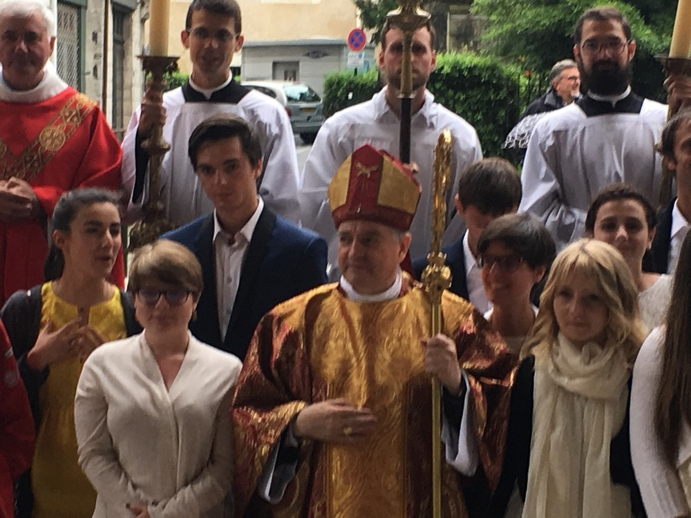 confirmands avec lévêque